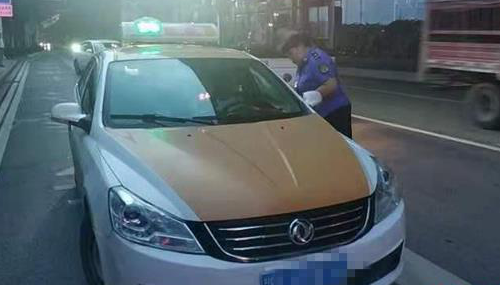 武汉市今年整顿出租车违规行为4100次 投诉量下滑37%