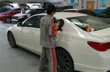济南哪里给汽车喷漆专业?