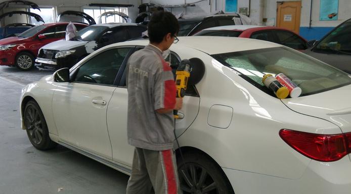 大连哪里给汽车喷漆专业?